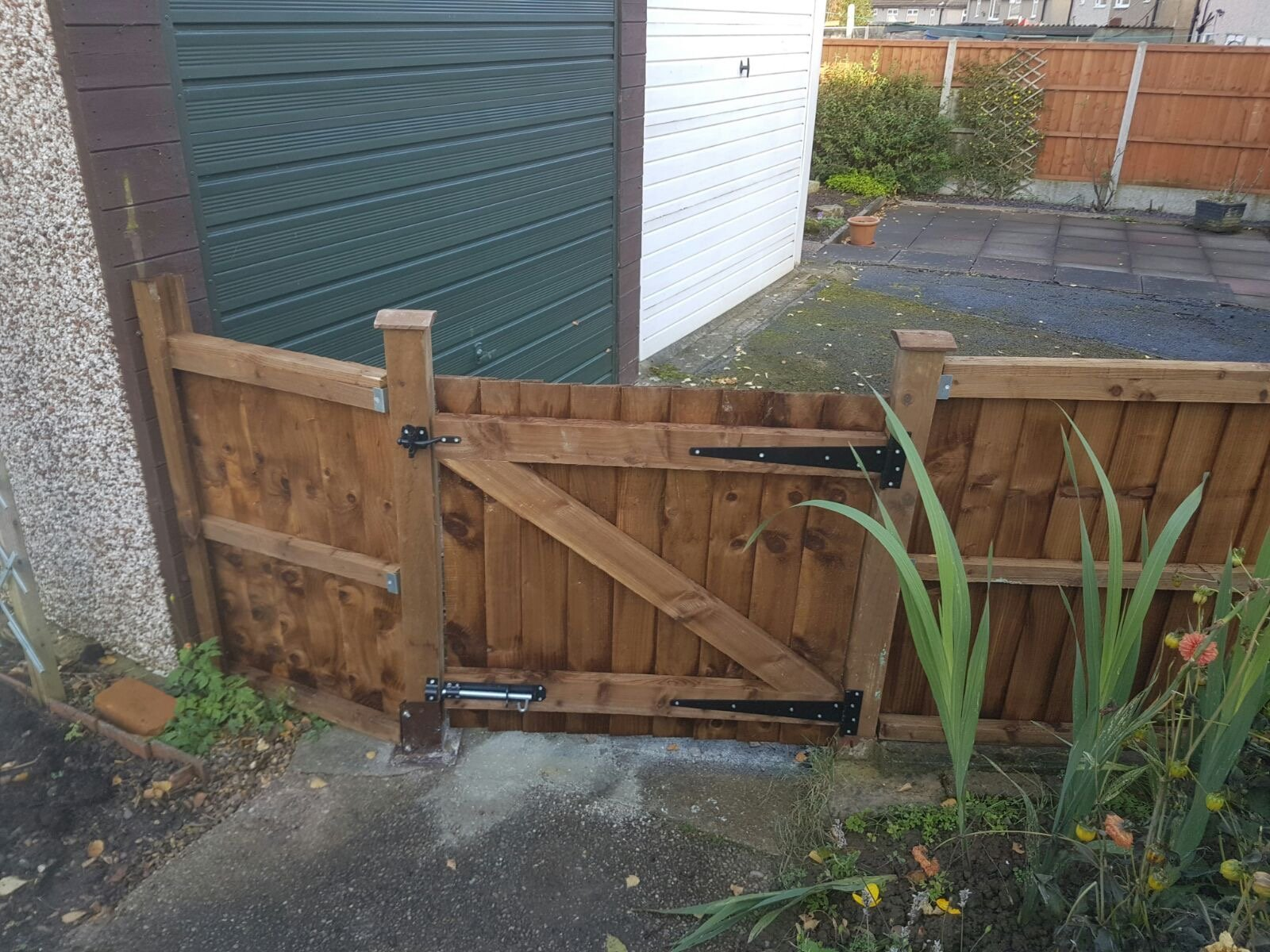 Feather Edge Gate Derby Ascot Fencing Derby